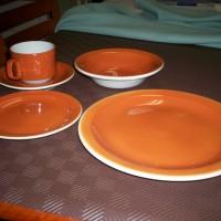 Bristile_4p_dinner_set_1977